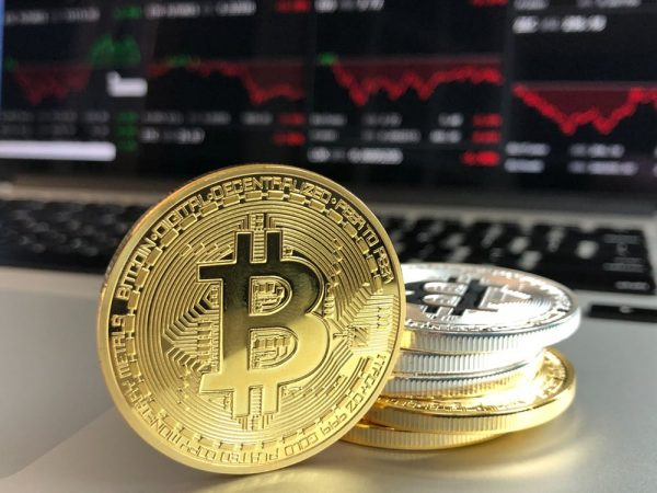 pexels photo bitcoin e1520766950542 - 9 velikih padcev Bitcoina