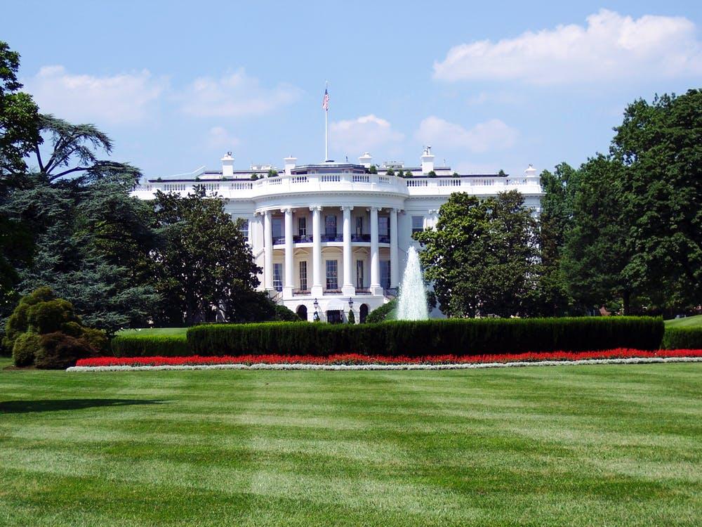 wh - Bela hiša zanika uvedbo regulacij