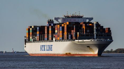 container ship 2893480 1920